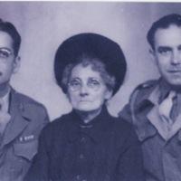 Ysabel González (nee Marcos Fernández) with Francisco González and Ángel Álvarez (Liverpool?, c. 1939-45)