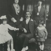 Francisco Madariaga, Anastasia Foruria and family (Liverpool, c. 1920)